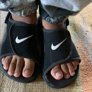 Nike toddler sandals
